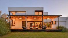 Casa VA: Casas de estilo minimalista por Development Architectural group