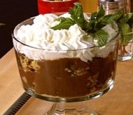 Look at this recipe - Chocolate trifle - from Paula Deen and other tasty dishes on Food Network. Trifle Desserts, Delicious Desserts, Dessert Recipes, Yummy Food, Sweet Desserts, Chocolate Trifle, Chocolate Desserts, Chocolate Pudding, Easter Dinner Recipes