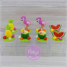 Caixinhas decoradas Flamingo / Tropical | Paty's Biscuit | Elo7 Pink Flamingo Party, Pink Flamingos, Birthday Cake Toppers, Birthday Cards, Moana Cupcake, Sunset Party, Barbie Summer, Baby Pool, Tropical Party
