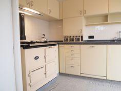 Knokke-delbeke-15563 Kitchen Cabinets, Retro, Kitchens, Home Decor, Decoration Home, Room Decor, Kitchen Base Cabinets, Kitchen, Retro Illustration
