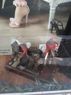 Μαύρο πουά Γυναικεία παπούτσια με κόκκινες λεπτομέρειες Vintage Shoes, Retro Shoes