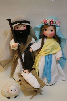 Risultati immagini per pesebres navideños manualidades Christmas Nativity Set, Nativity Crafts, Christmas Sewing, Christmas Art, Christmas Crafts, Christmas Decorations, Christmas Ornaments, Polymer Clay Christmas, Felt Dolls