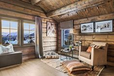 OPPLEV NYE RØROSHYTTA VISNINGSHYTTE! | FINN.no Cabin Interiors, Wooden House, Log Homes, Gallery Wall, House Ideas, Real Estate, House Design, Interior Design, Outdoor Decor