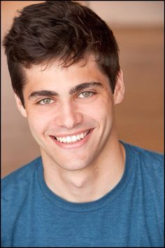 Matthew Daddario is an American actor who portrays Alec Lightwood on Shadowhunters: The Mortal Instruments. Matthew originally auditioned for the film adaptation, Film:The Mortal Instruments: City of Bones. Matthew Daddario, Alec Lightwood, Dominic Sherwood, Cassandra Clare, Shadowhunter Alec, Constantin Film, Shadowhunters Tv Show, Hommes Sexy, Malec