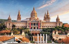 MNAC MUSEUM - Private Guided Tour in Barcelona.   Discover the impressive Medieval, Romanesque and Contemporary Art Collection of Barcelona's most important museum.