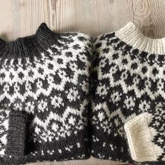 Which do you prefer? One is for sale🌸 * * #bynordiknit🇳🇴🇮🇸 #alafosslopi #vetur #icelandicwool #handknit #handknits #etsynorway…