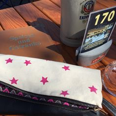 Spring has started. Sundayfunday with Shiny Stella Clutch in the Biergarten.