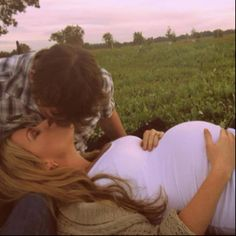 Pregnancy Pic. I am obsessed with this one :) I want one just like it someday <3