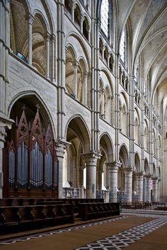 Choir elevation, Cathédrale Notre Dame de Laon, Laon (Aisne)  Photo by PJ McKey