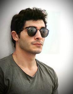 Hayat And Murat, Famous Stars, Turkish Beauty, Turkish Actors, Barista, Handsome, Celebs, Instagram, Shopping