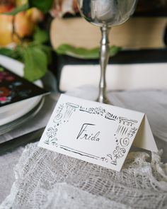 Free printable name tags for your Halloween dinner party place settings