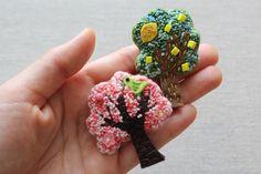 木のブローチ 桜の木