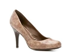 JS by Jessica Oscar Reptile Pump - like the color and style!