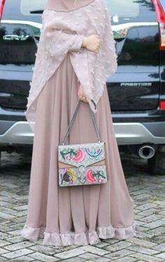 Ideas Fashion Hijab Pastel For 2019 Abaya Fashion, Modest Fashion, Trendy Fashion, Fashion Muslimah, Fashion Fashion, Muslim Girls, Muslim Women, Hijab Style, Hijab Chic