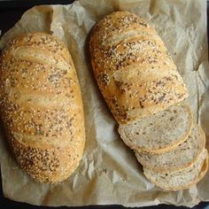 Tökéletes házi kenyér - Tejturmix Hungarian Desserts, Hungarian Recipes, Bread Recipes, Cooking Recipes, Breakfast Recipes, Dinner Recipes, Bread And Pastries, Bread Rolls, Diy Food