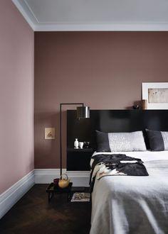 Slaapkamer met Flexa Creations kleuren: Rose Wood, Chocolate Milk - Lilly is Love Bedroom Wall Colors, Bedroom Color Schemes, Mauve Bedroom, Home Bedroom, Bedroom Decor, Home Room Design, House Rooms, Interior Design Living Room, Home And Living