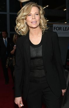 Kim Basinger, over 50 medium style haircut
