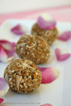 | Sunflower, Sesame and Almond Bliss Balls | http://www.thenutritionguruandthechef.com