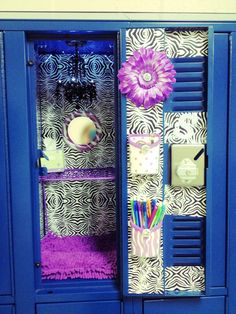 Sassy Style: DIY Back to School ideas-Locker accessories Girls Locker Ideas, Cute Locker Ideas, Diy Locker, Locker Stuff, Sports Locker, Locker Supplies, Cute School Supplies, Office Supplies, Cute Locker Decorations