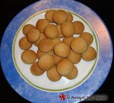 Apple and tachini cookies (from sintagespareas. Greek Sweets, Greek Desserts, Greek Recipes, Vegan Recipes, Vegan Meals, Greek Cooking, Cake Cookies, Cookie Recipes, Delish