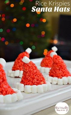 Santa Hat Rice Krispies Treats for a Fun and Simple Christmas Treat - Perfect for holiday parties with kids! http://www.kidfriendlythingstodo.com Holiday Treats, Holiday Parties, Kids Christmas Treats, Best Christmas Recipes, Christmas Deserts, Rice Crispy Christmas Treats, Holiday Fun, Christmas Party Food, Christmas Baking