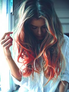 http://img.loveitsomuch.com/uploads/201304/28/br/brown%20to%20red%20hair%20chalking%20-%20hair%20chalk%20for%20brown%20hair-f27360.jpg