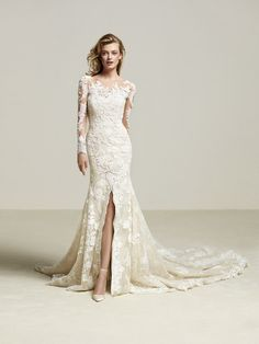 Wedding dress with sensual lace - Driate
