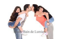 Shooting photo famille, portrait de famille au studio Bain de Lumière . http://www.bain-de-lumiere.com/shooting-famille.html