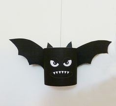 Halloween craft idea with a template for this funny little Halloween bat #Halloween #bat