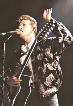 David Bowie, Tin Machine 1991 Tin Machine, Ziggy Played Guitar, Mick Ronson, David Bowie Ziggy, Pretty Star, Ziggy Stardust, Favorite Person, Duke, Singers