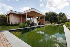 1000 images about pond on pinterest tuin modern pond for Wat kost een zwemvijver