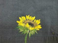 해바라기.수묵으로, 천아트로, 아크릴로, 아무리 그려보아도 이상하게 매번 실패 했던 해바라기.해바라기를... Acrylic Painting Flowers, One Stroke Painting, Fabric Painting, Fabric Art, Painting & Drawing, Hand Painted Dress, Flower Embroidery Designs, Silk Art, Hand Applique