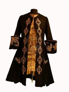 Black Frockcoat, Prince Charmi by ~RobynGoodfellow on deviantART Historical Costume, Historical Clothing, Renaissance Clothing, Pirate Garb, Pirate Costumes, Vintage Outfits, Vintage Fashion, Mode Costume, Space Fashion