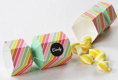 お菓子入れ作り方テンプレート画像 Candy Wedding Favors, Candy Favors, Wedding Favor Boxes, Favour Boxes, Favours, Wrapping Ideas, Gift Wrapping, 3d Templates, Free Candy