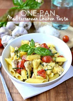 One-Pan Mediterranean Chicken Pasta is a quick, 30 minute meal that's gluten-free but full of flavor! | iowagirleats.com