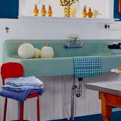 Love the blue freestanding vintage sink.