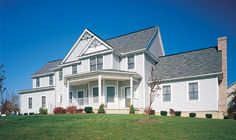 Exterior Portfolio Premium Pointe siding in Driftwood. Exterior Siding, Exterior Design, House Siding, Roofing Systems, Vinyl Siding, Design Your Home, Rustic Chic, Curb Appeal, Home Remodeling