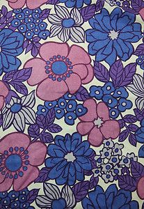 VINTAGE 60s 70s RETRO POP KITSCH NOSTALGIC FLORAL BOLD GRAPHIC FABRIC