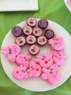 Peppa Pig Bubblegum Macarons by Arelio Sweetbox
