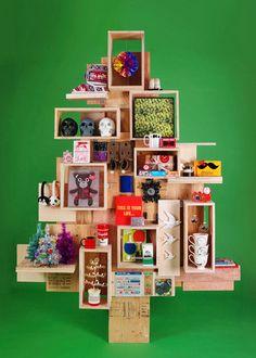 storage/vm Christmas tree, pinned by Ton van der Veer