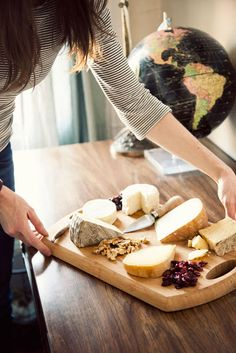 A CUP OF JO: A handy guide to creating the perfect cheese plate