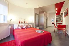 Lovely studio ideal for romantic holidays! Very close to Plaza Espanya