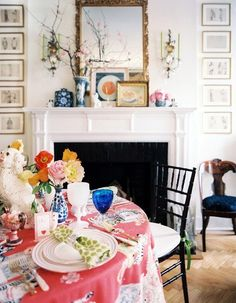 Room of the Day ~ love the freshness and prettiness of this room - Chinoiserie Chic: Zebras 6.30.2013