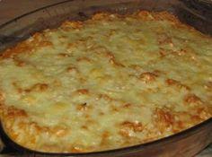 Receita de Fricassê de carne moída com requeijão - 1/2 cebola picada, 1 copo de requeijão, 1/2 caixa de creme de leite, 100 g de azeitonas em conserva sem c...