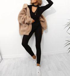 Blogger  alicia.roddy@hotmail.co.uk snapchat: lissyroddy youtube: lissyroddyy