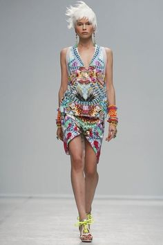 Manish Arora Ready To Wear Spring Summer 2014 Paris - NOWFASHION