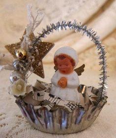 Vintage Angel Ornaments by Shellyrollins on Etsy Vintage Christmas Crafts, Christmas Ornaments To Make, Victorian Christmas, Vintage Crafts, Christmas Angels, Christmas Projects, Handmade Christmas, Holiday Crafts, Christmas Holidays