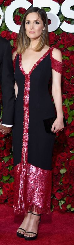 Who made Rose Byrne's pink sequin dress, black sandals, jewelry, and clutch handbag?