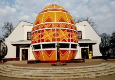 Pysanka Museum, Kolomyia, Ukraine. Built 2000. Only museum in the world dedicated to the Ukrainian Easter egg (known as pysanka);Museum's exterior is shaped like an egg, but it continues inside as dome resembles an egg decoration. The collection has grown to over 10,000 pysanky.
