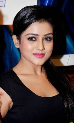 Bollywood fashion 688276755524489221 - B-Town's newcomer Mishti Chakraborty in a glamourous avatar Source by Pretty Girl Images, Beautiful Girl Photo, Beautiful Girl Indian, Most Beautiful Indian Actress, Beautiful Eyes, Pretty Girls, Beautiful People, Beautiful Bollywood Actress, Beautiful Actresses